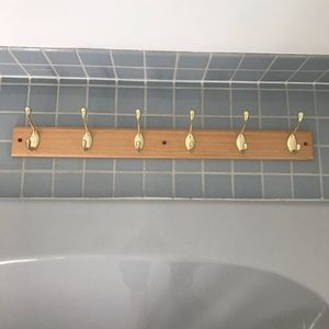 VINTAGE wooden wall hanger with 6 gold coat hooks